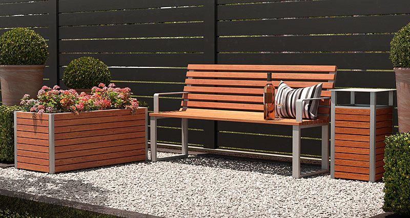 zestaw mebli drewnianych do ogrodu
