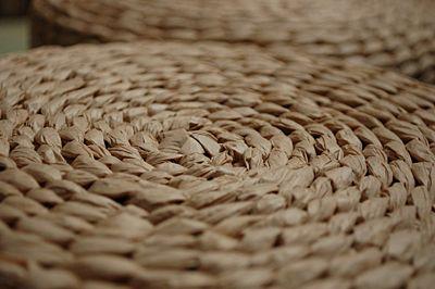 Stylowy taboret Areon - trzcinowy