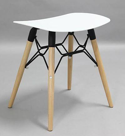 Modny stołek Swedo - skandynawski