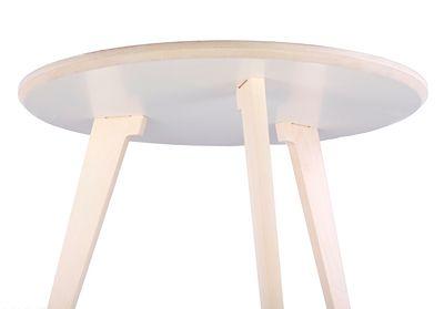 Biały stolik kawowy Memit - modny