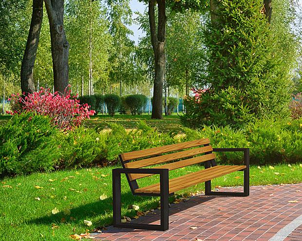 ławka norin w ogrodzie